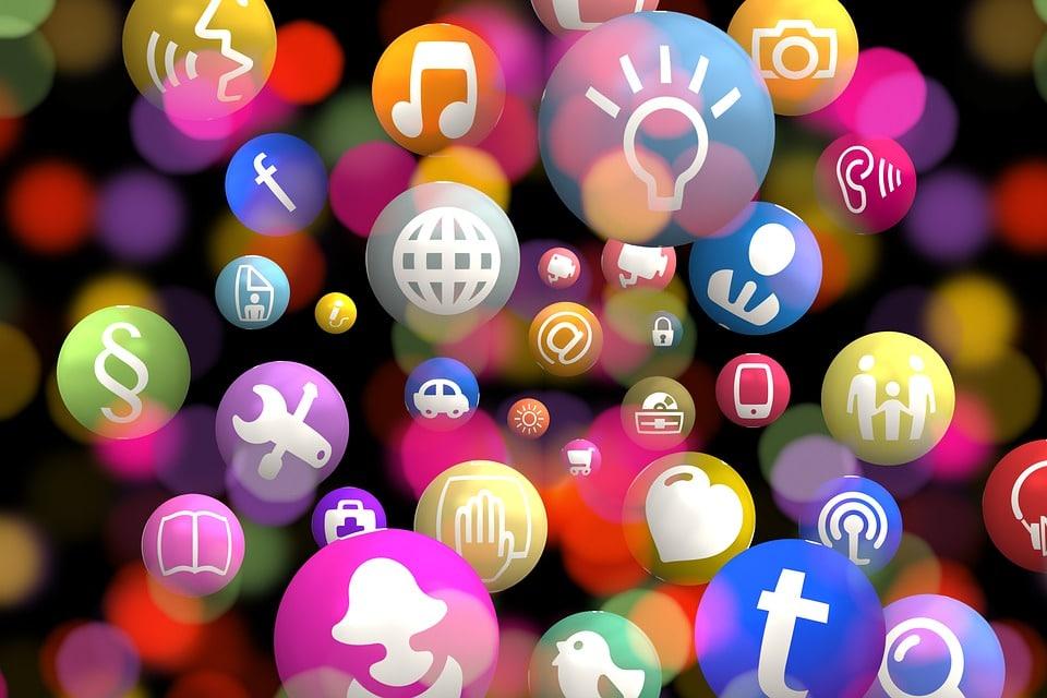Nujnost prisotnosti na družabnih omrežjih 1